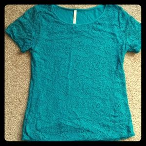 Like new! Teal lace top!
